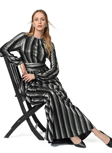 Mizalle Varaklı Elbise  Siyah